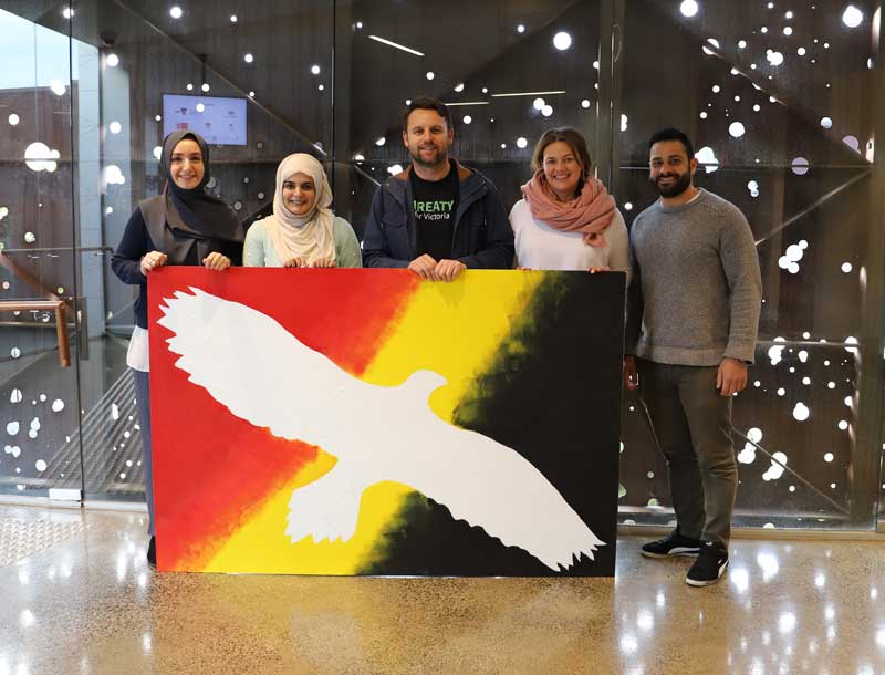 KGI gifts Indigenous creation to the Islamic Museum of Australia